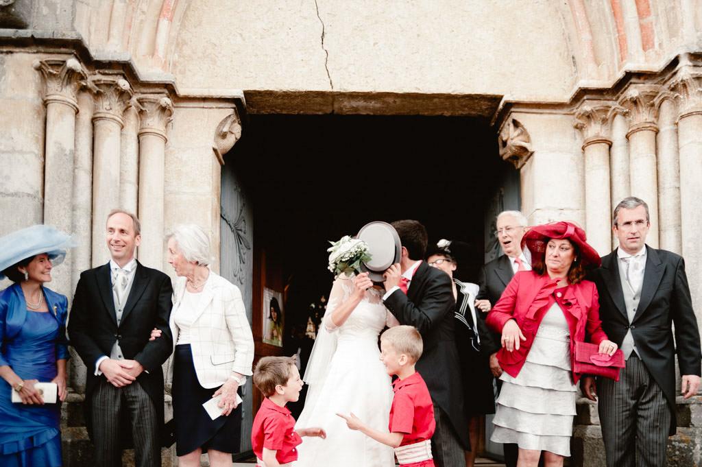 mariage dijon bourgogne photo sortie eglise maries