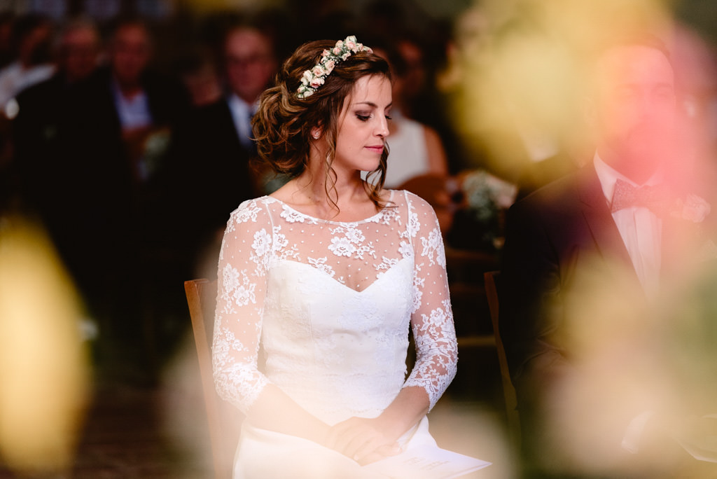 photographe mariage dijon bourgogne ceremonie eglise mariee portrait