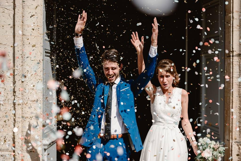 photographe mariage dijon bourgogne ceremonie eglise sortie maries