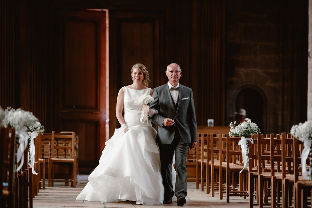 photographe mariage dijon bourgogne ceremonie entree eglise