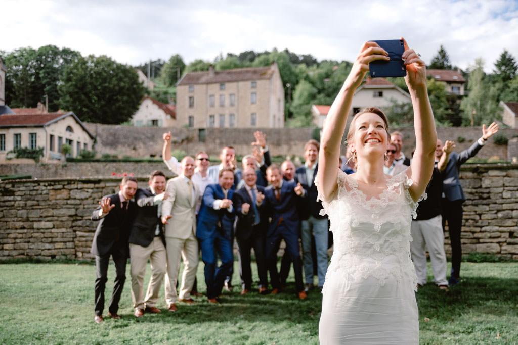 photographe mariage dijon bourgogne chateau barbirey vin dhonneur groupe