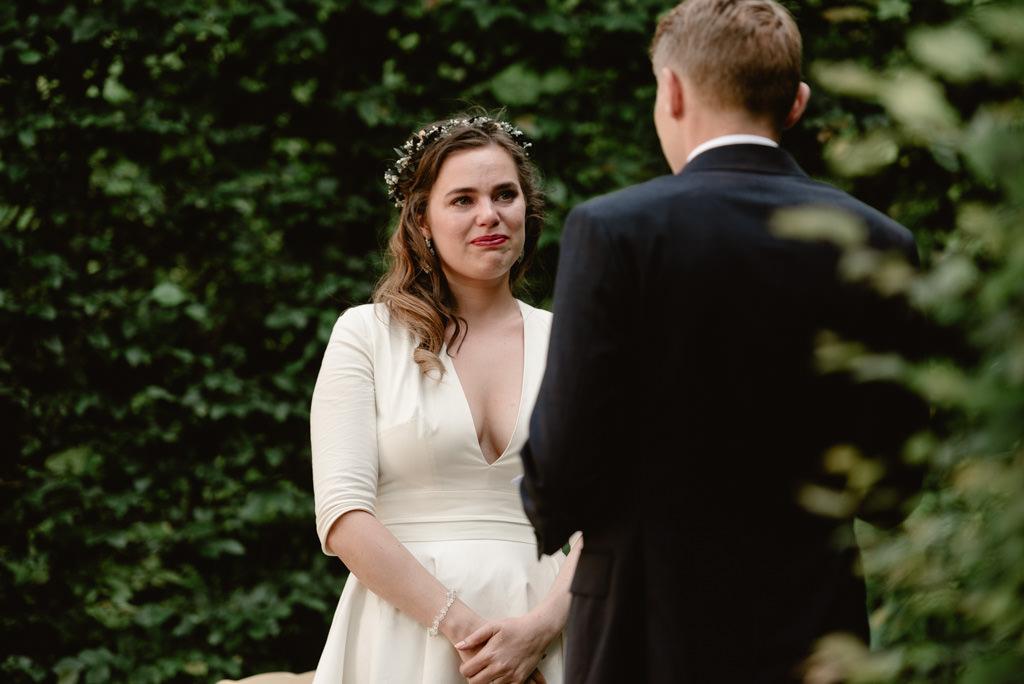 photographe mariage dijon bourgogne chateau bussy rabutin ceremonie laique mariee