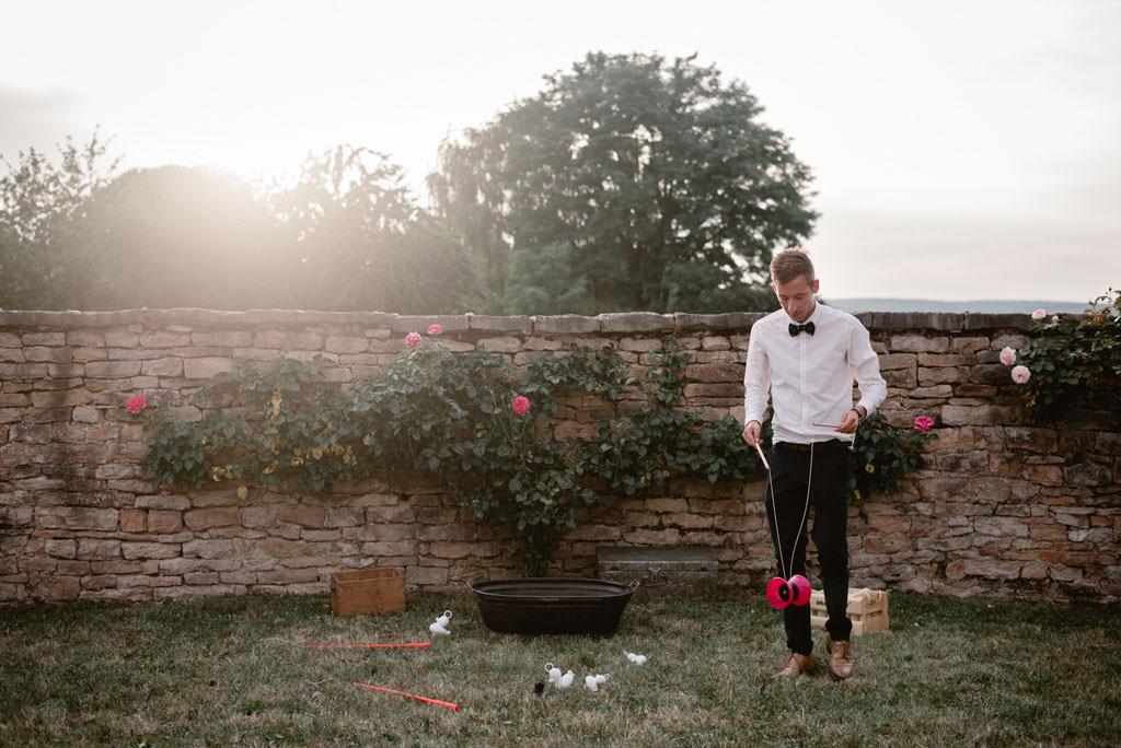 photographe mariage dijon bourgogne manoir equivocal vin dhonneur