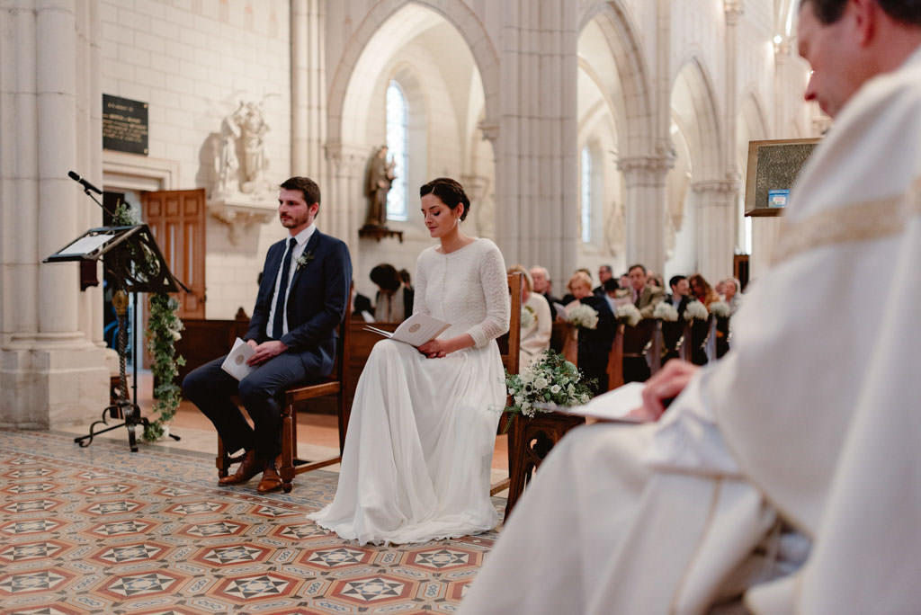photographe mariage dijon bourgogne santenay ceremonie eglise maries