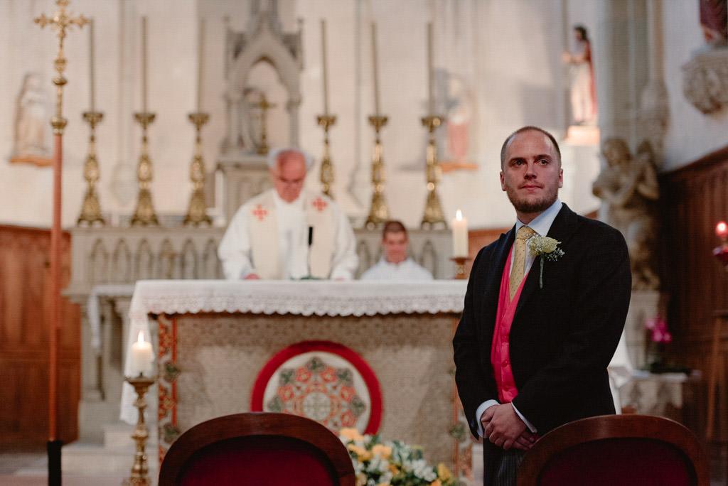 photographe mariage dijon bourgogne sully ceremonie eglise entree mariee